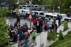 Demo Pro NRW Rat der Muslime: Die ersten Steine sind geflogen Foto: Roland KOhls